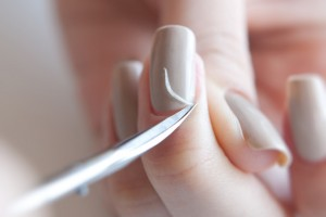 Как правильно обрезать кутикулу без заусенец